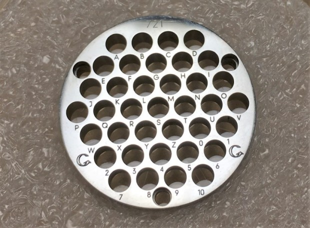 30 mm diameter circular retainer with 37 holes.